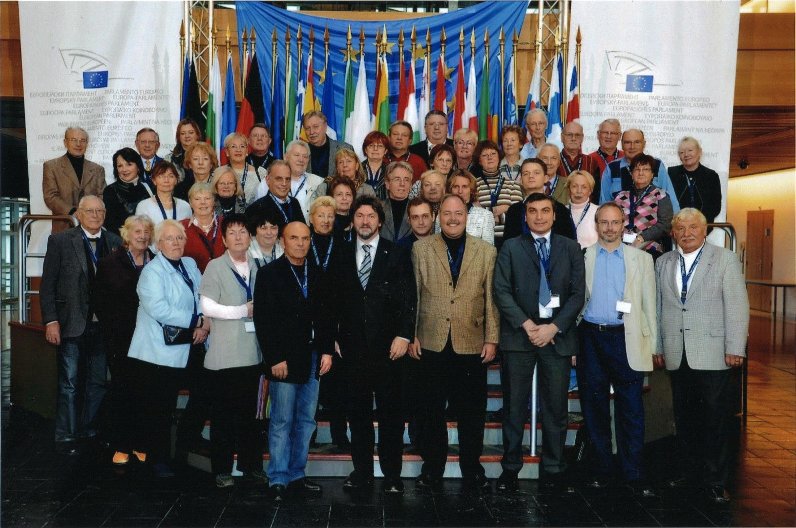 Joachim Zeller, MdEP, mit Teilnehmern